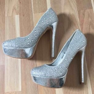 Size: 38 Colour: Silver New!!!