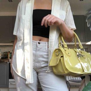 Gul handväska, frakt ingår