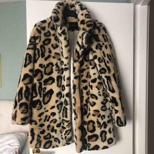 Leopardpäls från Ruth and circle, använd en säsong