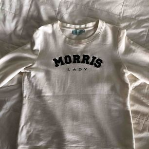 Morris sweatshirt, storlek S, använd fåtal gånger. Nyskick! 300 kr frakt är inräknad :) mvh Tova