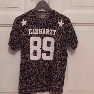 Tshirt från Carhartt, använd 1/2 gånger. Herrstorlek! Frakt: 42kr