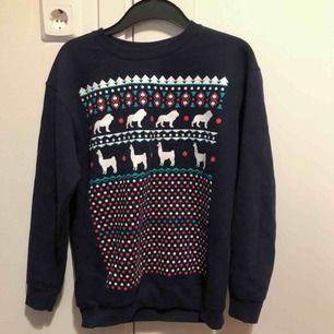 Dan and Phil-merch! jultröja i nyskick! Köpare står för frakten eller mötas upp i Karlstad >•<