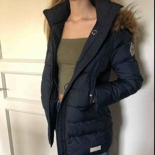 Nypris: 2449kr                                                        Säljer min Odd molly winterland jacket som knappt är använd då det inte riktigt är min stil längre, pris kan diskuteras och köparen står för frakt💖 betalning sker via swish