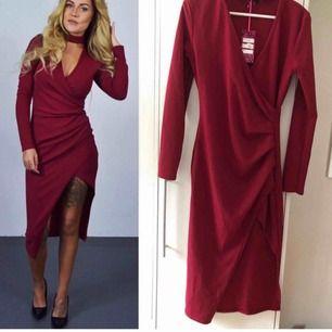 Tight klänning,strechig så den passar bra för olika storlekar,aldrig använd. Säljer för det inte kommer till användning.💗