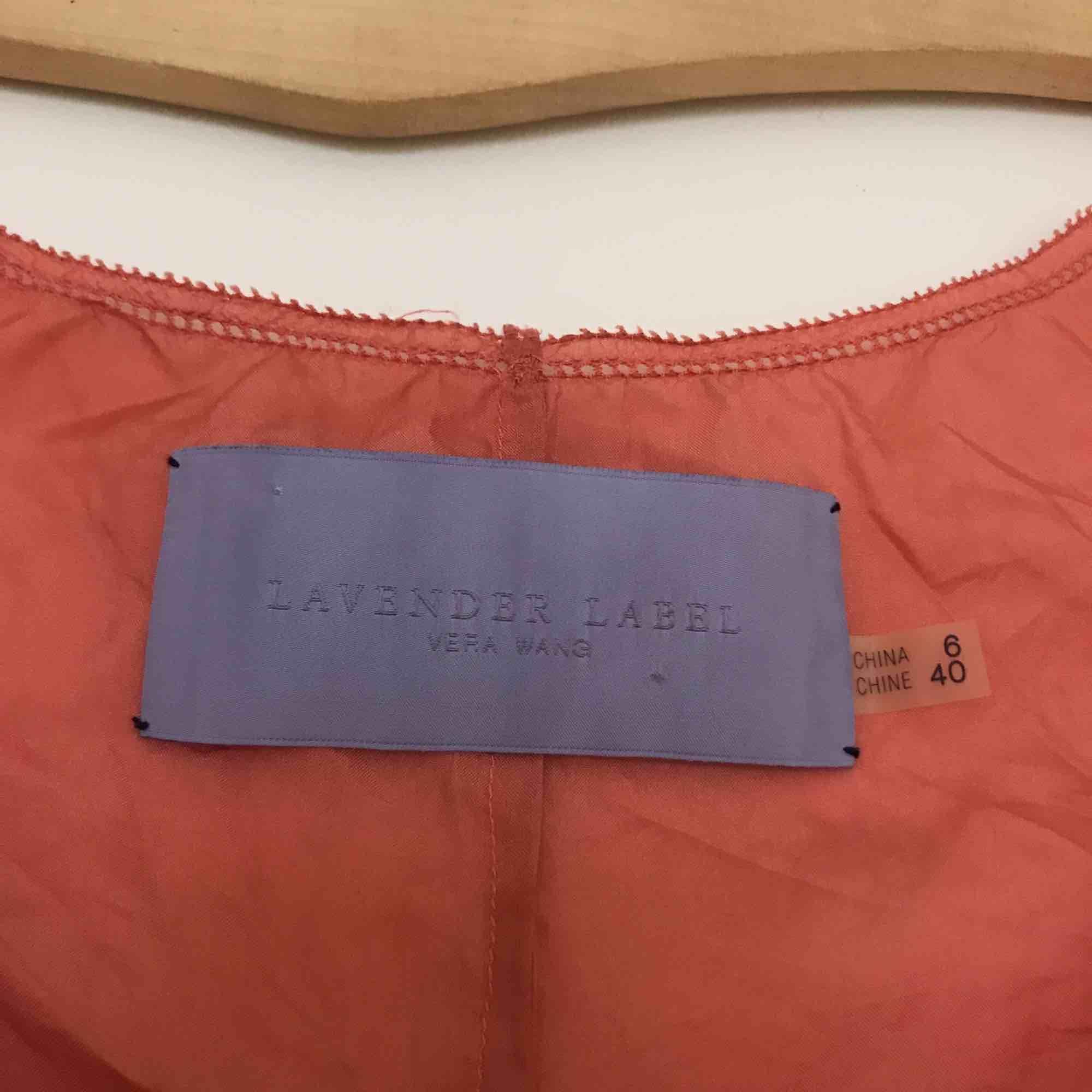 Skirt vintage Vera Wanglinne, korallrosa i 100% silk.. Toppar.