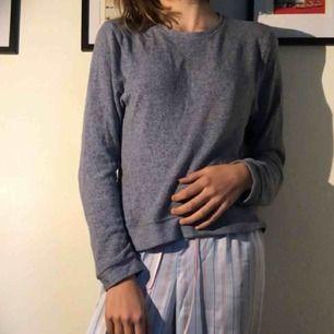 SUPERDRY!!! Jätteskön tröja från superdry. Den är i bra skick! Nypris 400kr