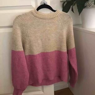 Fin stickad tröja ifrån ginatricot! Aldrig använd så inte nopprig eller något👌🏽👌🏽 säljer för 100kr + 79kr frakt! 🥰🥰