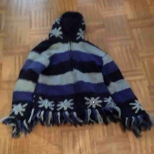 Varm Såå ovanlig jacka  Fodrad och skön till höst, vinter  Frakt 100