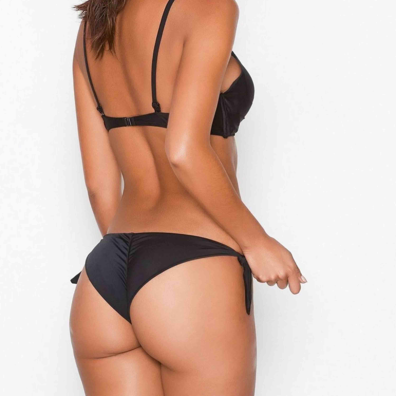 Super snygg Brazilian Panty med scrunch baktill, nyskick. Nypris 120kr ✨. Jeans & Byxor.