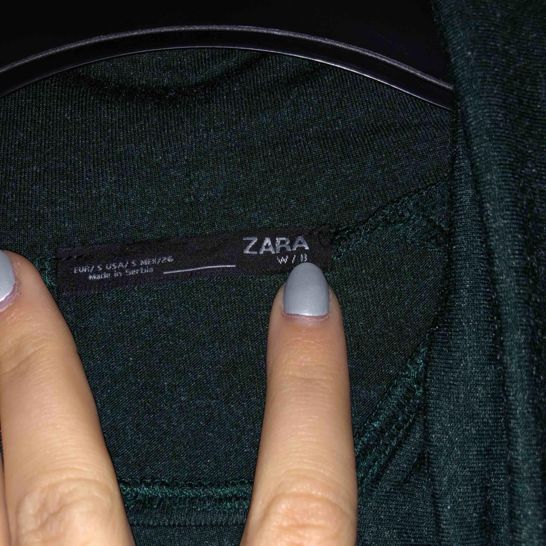 Tröja från zara som tyvärr inte kommer till användning.. bara att höra av dig om du önskar fler bilder!. Skjortor.