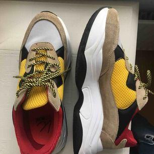 Sneakers från K.cobler🌻 nypris 900kr. Frakt 63kr🌻