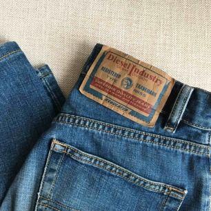 Vintage jeans från Diesel! Märkta som size 26 men passar bara upp till W24 (XXS-XS)