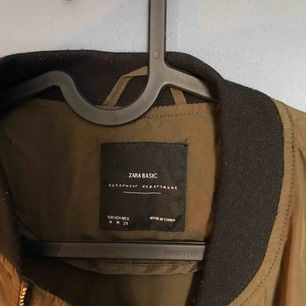 Tunn vår/höstjacka från Zara i nyskick