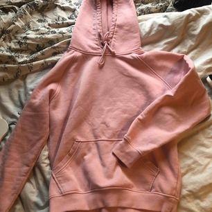 Rosa hoodie från Cubus, använd några gånger säljer för jag inte använder den längre (köparen står för frakt) 💗