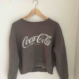 Superfin vintage sweater som tyvärr inte kommer till användning! I storlek XS men passar S. Använd ett fåtal gånger! Köparen står för frakt💕