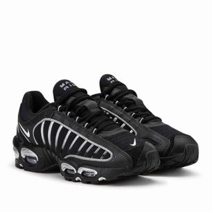 —Just nu inte till salu—  Nike tailwind max air black and silver with reflex. Size uk6 us 6.5 EU 39 True to size. Used a couple of times but no signs of use. Brand new condition.