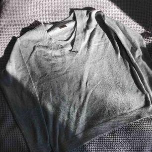 Fin grå varm tröja från Vero Moda i fint skick