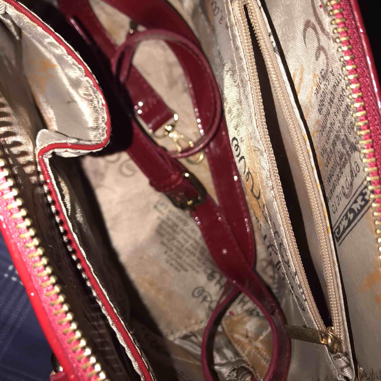 Jätte fin Louis Vuitton väska äkta skinn . Väskor.