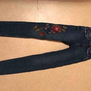 Jätte fin jeans i storlek 32