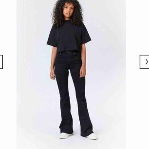 Bootcut jeans från Dr denim Strl är XS men längden är 30 Som nya!  Tillkommer frakt