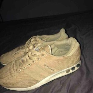 Feta adidas la trainer sneakers som letar efter en ny ägare. I mycket bra skick