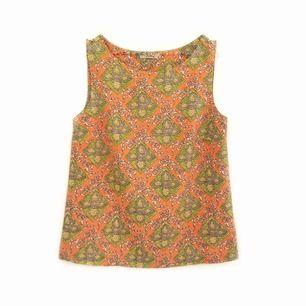 Jättefint linne i sååå härligt mönster🧡🧡 har använt det mycket men ser fortfarande ut som nytt!! Alltså jättebra kvalitet!🌟 Frakt ingår i priset❗️