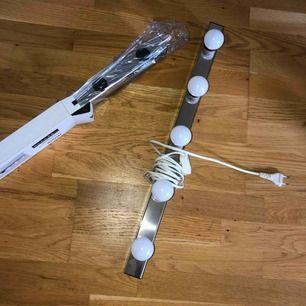 Två st sminklampor (musik) från Ikea. Säljs pga ingen användning.  100kr/st inklusive glödlampor
