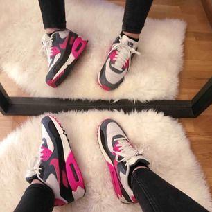 assnygga Nike Air Max i storlek 38,5 💓 jag står inte för frakten