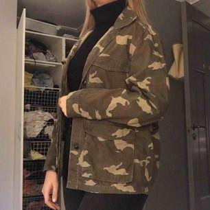 En oversized militär jacka 💚🌲använd sällan & jätte bra skick! 💕 frakt 63 kr