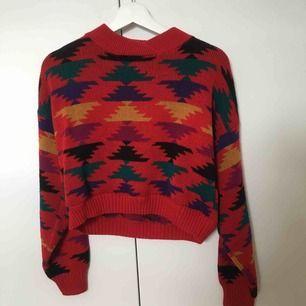 Fin 70-tals tröja. Säljer då den inte heller kommer till användning, på lappen står det M men jag är Xs och på mig sitter den bra. Frakt står köpare för😊💞