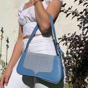 Helt underbar babyblå väska. Pris: 300kr + 50kr frakt💗💗💗