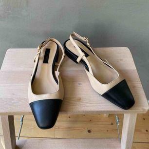 Fina sandaler från Topshop i mycket gott skick. Ej äkta skinn. Frakt betalas av köparen 📦 tar swish 💕