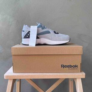 Nya sneakers i modellen Pyro Classic från Reebok. Frakt betalas av köparen 📦 tar swish 💕
