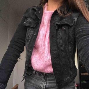 Superfin jeansjacka från Zara, sparsamt använd!🤩