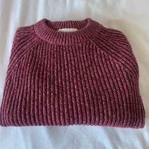 Stickad tröja från Hm, stl XS, använd men väldigt fint skick!