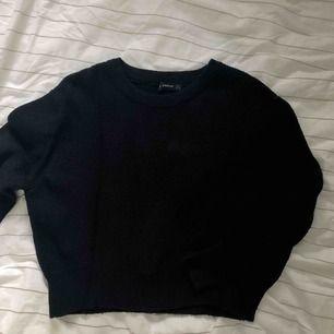 Zara marine blått tröja i små   Kan skicka med postnord blått paket (102kr)