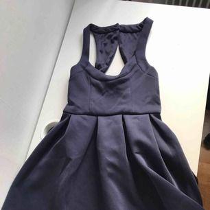 klänning från nelly aldrig använd frakt tillkommer