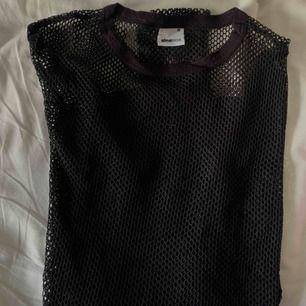 Långärmad nät tröja från ginatricot