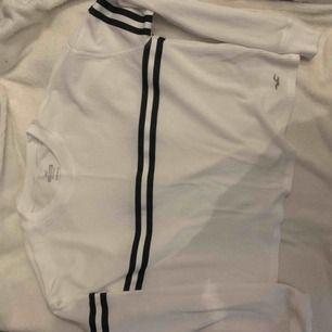 Oversize tröja från Hollister, frakten tillkommer