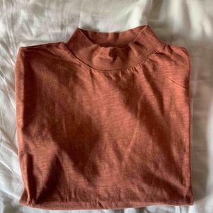 Snygg tröja från Nakd, ärmarna är lite speciella men sitter skit snyggt på!