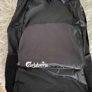 Helt ny Carlsberg ryggsäck! Frakt ingår vid snabb affär.