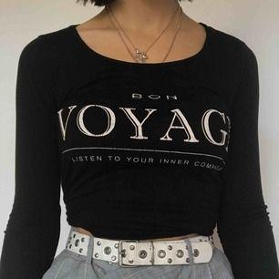 Nästan aldrig använd tröja från Gina Tricot som ej säljs längre!!! Kommer tyvärr inte till användning här och förtjänar därför bättre hem