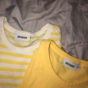 Två stycken t-shirtar från Weekday! Köparen står för frakt🥰