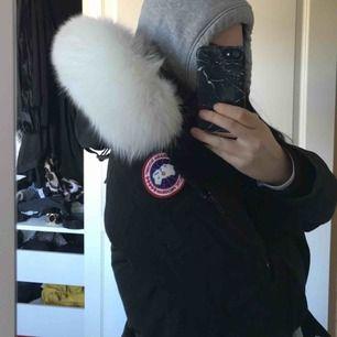 Canada goose montebello, byte mot annan jacka!!