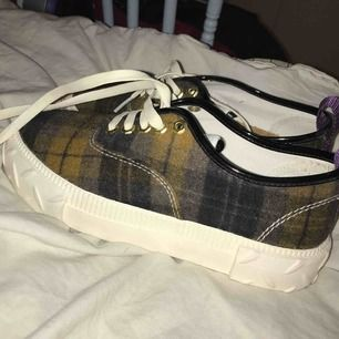 Eytys skor, använda 1 ggr! Storlek 37 Köparen betalar frakt på 70kr