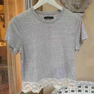 Skön t-shirt, använd fåtal gånger. Köparen står för frakt