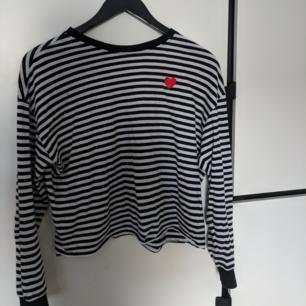 Jätteskön randig tröja från h&m. Bra skick:))