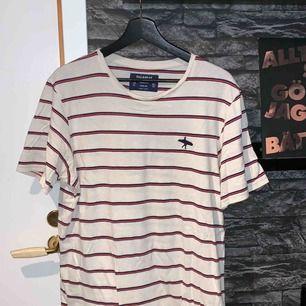 T-shirt från pull and bear