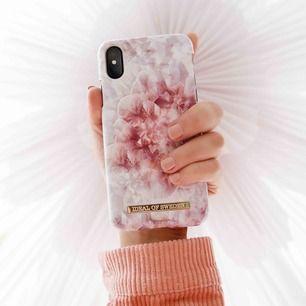 Säljer ett skal från Ideal of Sweden eftersom att det inte kommer till användning! Använt ett fåtal gånger så är i superfint skick! Passar iPhone X Nypris: 400 kr