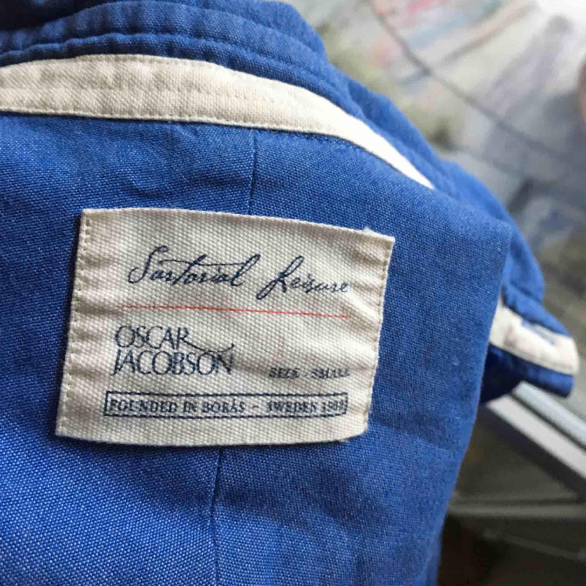 Skitsnygg skjorta från Oscar Jacobson, original pris ligger runt 1000kr.. Skjortor.